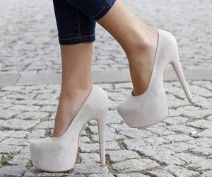 fashion, stay classy, and high heels image