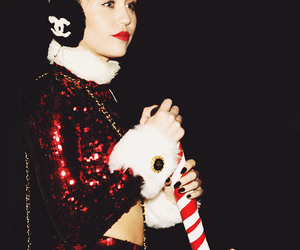 miley cyrus, christmas, and chanel image
