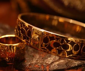 bracelet and photography image