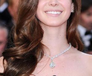 beautiful, brunette, and lana del rey image