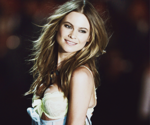 Behati Prinsloo, Victoria's Secret, and beauty image