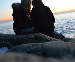 girls, sea, and bestfriends image