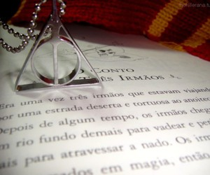 cachecol, deathly hallows, and gryffindor image