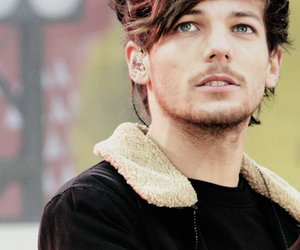 blue eyes, louis, and tomlinson image