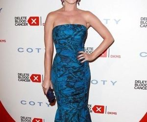great smile, beautiful blue dress, and happy katy!!!! image