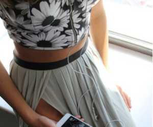 fashion, skirt, and iphone image
