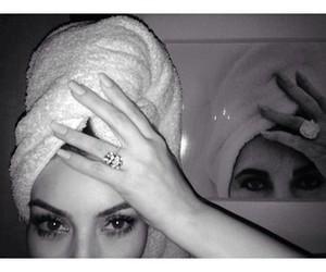 kim kardashian, Elizabeth Taylor, and diamond image