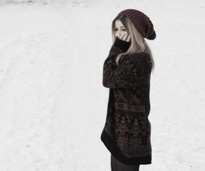 outfit, snow, and street fashion image