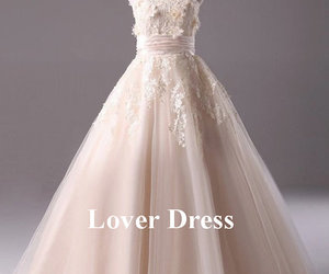 vintage wedding dress and lace wedding gown image