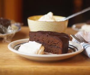 cake, chocolate, and sachertorte image
