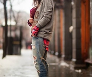 grunge, plaid, and casual chic image