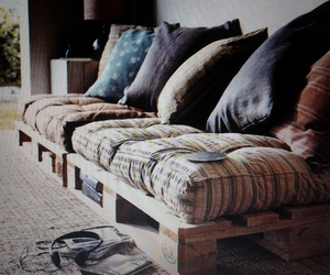 sofa and pillow image
