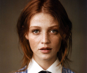 girl, freckles, and Cintia Dicker image
