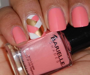 nails and in pink image
