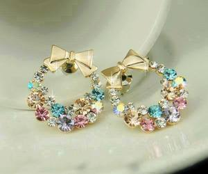 bow, earrings, and colors. outfit image