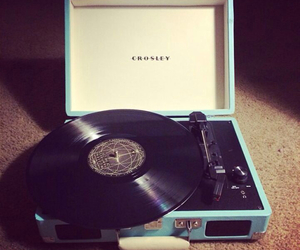 beautiful, record player, and vinyls image