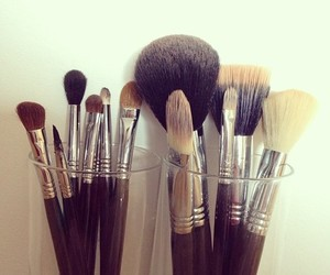 bedroom, Brushes, and chanel image