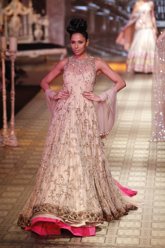 Unique Wedding Gowns By Manish Malhotra Collection - Best Evening ...