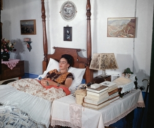 Frida Khalo and fridaencoyoacan image