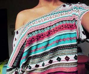 fashion, girl, and shirt image