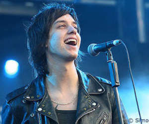 julian casablancas, the strokes, and indie image