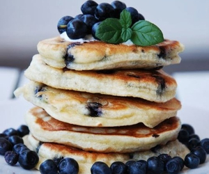blue berry and hot cake image