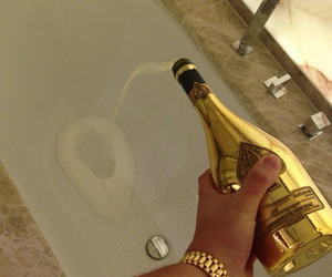 champagne and rich image
