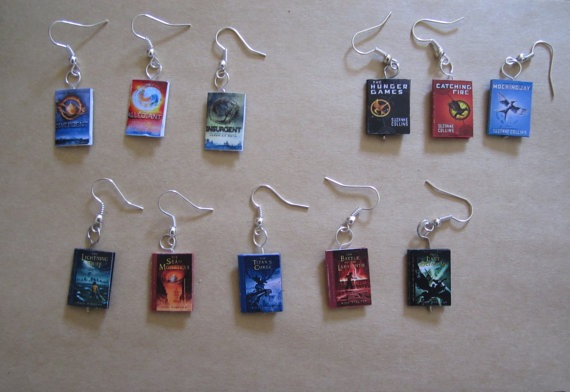books, earings, and hunger games image
