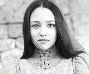 juliet and Olivia Hussey image