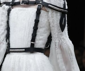Alexander McQueen and fall 2011 image
