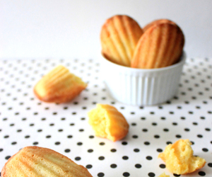 lemon and madeleines image