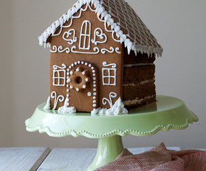 christmas, recipe, and gingerbread house cake image