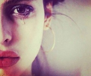 girl and cry image