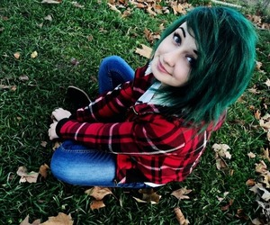 green hair, scene girl, and emo girl image