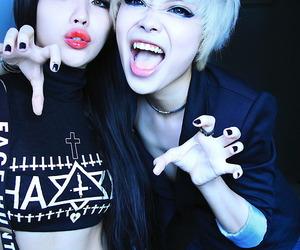 girls and wylona image