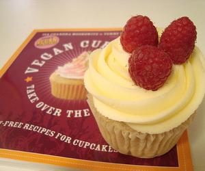 cupcake, vegan, and vegan cupcake image