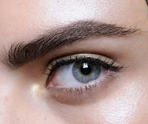 eyebrows and cara delevingne image