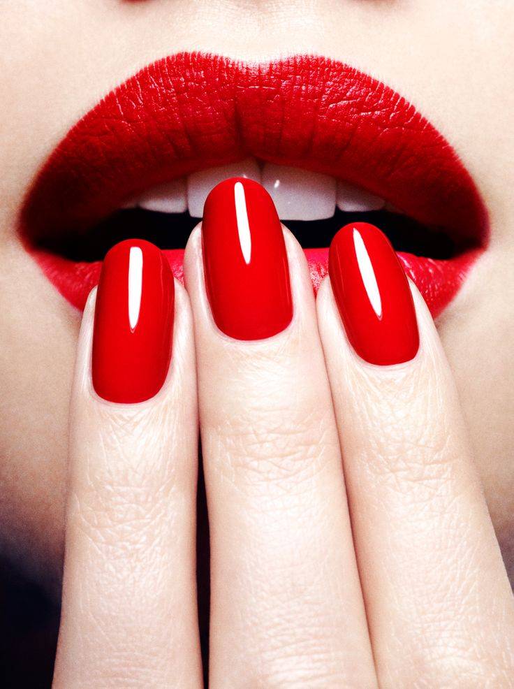 Red lips and nails shared by HetGi on We Heart It