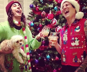 pierce the veil, vic fuentes, and christmas image