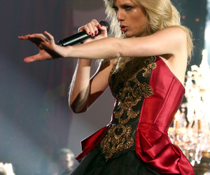 Taylor Swift, beautiful, and i knew you were trouble image