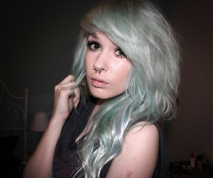 girl, hair, and livewithoutregretxx image