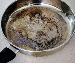 pans, vinegar, and baking-soda image