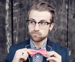 bow, jeremy davis, and paramore image