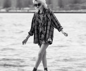 sky ferreira, grunge, and black and white image