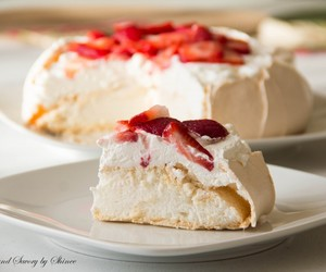 meringue, pavlova, and delicioussss image