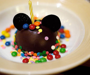 food, chocolate, and mickey image