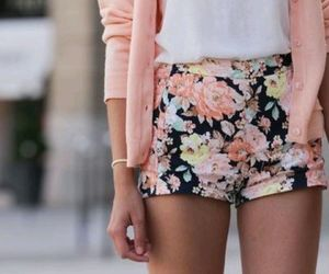 flower print, outfit, and print image