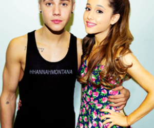 lovely, pareja, and justin bieber image