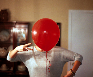 red, vintage, and balloon image