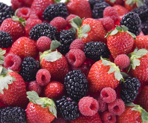alimento, blackberry, and fruit image